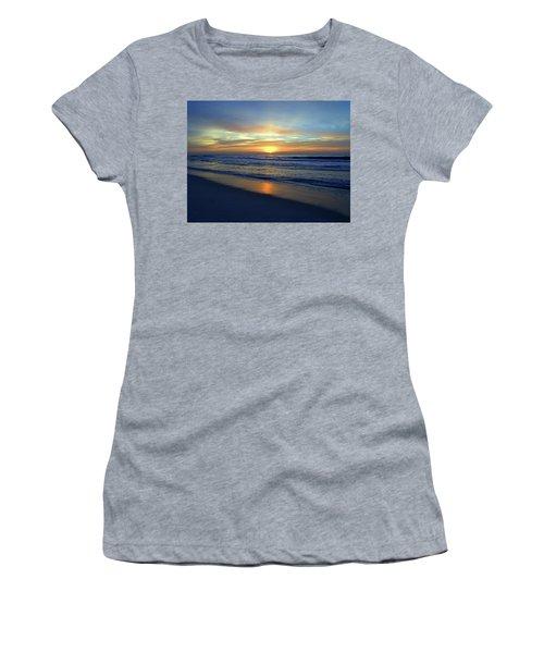 Dawning I I Women's T-Shirt