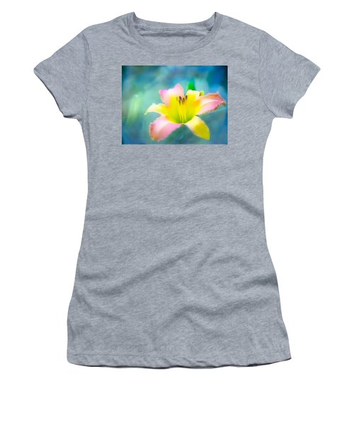 Daylily In Blue Women's T-Shirt