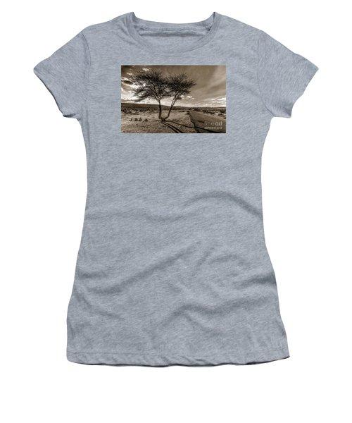 Desert Landmarks  Women's T-Shirt (Athletic Fit)