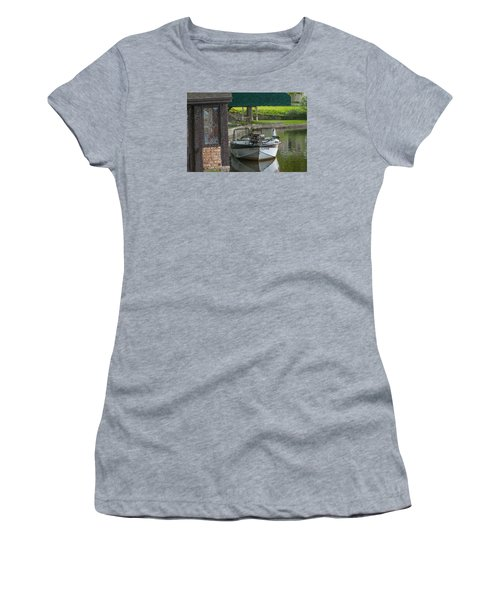 Docking Mayflies Women's T-Shirt