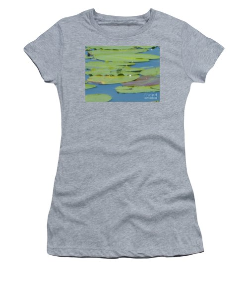 Dragonfly On Lily Pad Women's T-Shirt