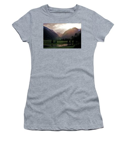 Early Evening Light In The Valley Women's T-Shirt