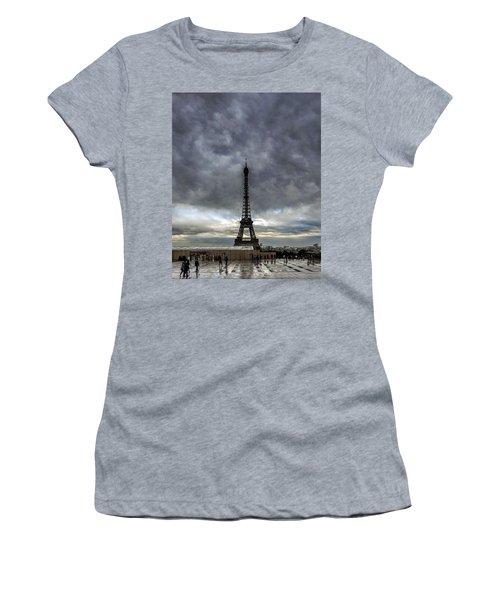 Eiffel Tower Paris Women's T-Shirt (Athletic Fit)