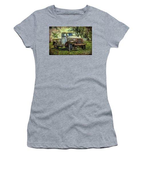 Ellens Premium Goats Women's T-Shirt (Athletic Fit)