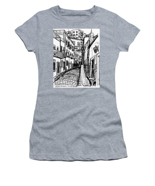 Escuela Mexicana Women's T-Shirt (Athletic Fit)