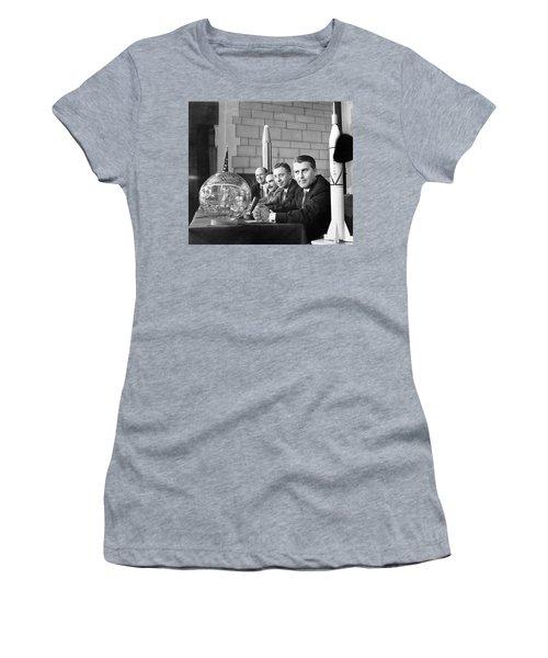 Explorer Space Scientists Women's T-Shirt
