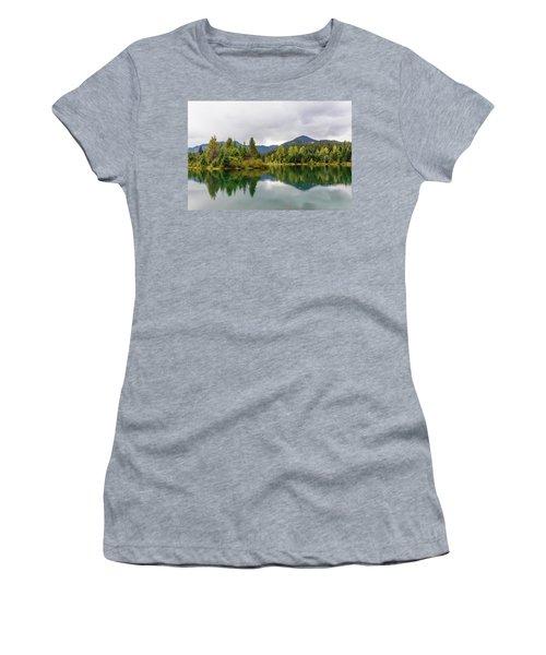 Falls Colors In Gold Creek Pond Women's T-Shirt