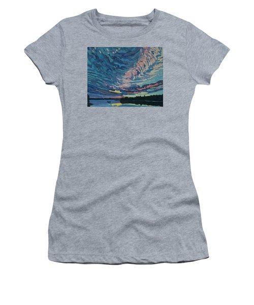 Fishing Sunset Women's T-Shirt (Athletic Fit)