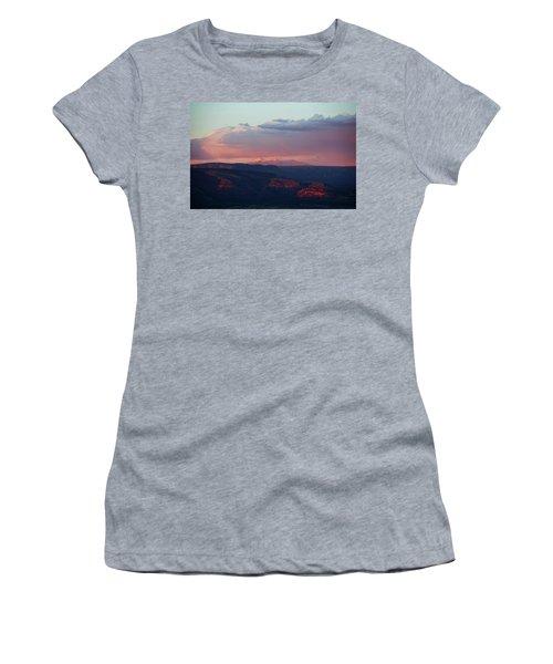 Flagstaff's San Francisco Peaks Snowy Sunset Women's T-Shirt
