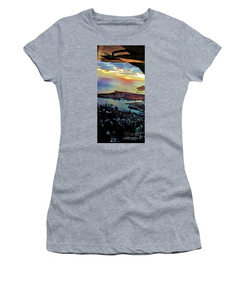 Women's T-Shirt (Junior Cut) featuring the photograph Flying Into Honolulu II by Craig Wood