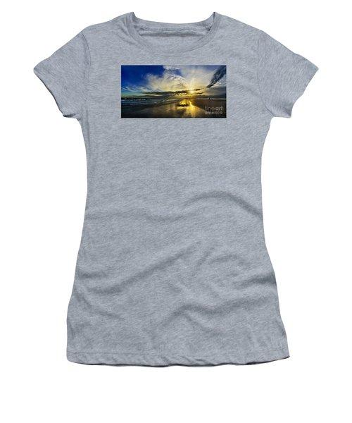 Follow The Sun Women's T-Shirt