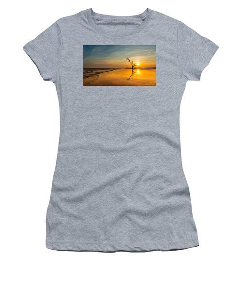 Folly Beach Skeleton Tree At Sunset - Folly Beach Sc Women's T-Shirt