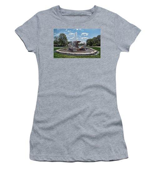 Fountain - Cleveland Museum Of Art Women's T-Shirt