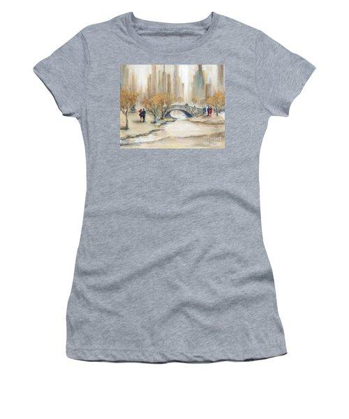 Gapstow Bridge And Lovers Women's T-Shirt