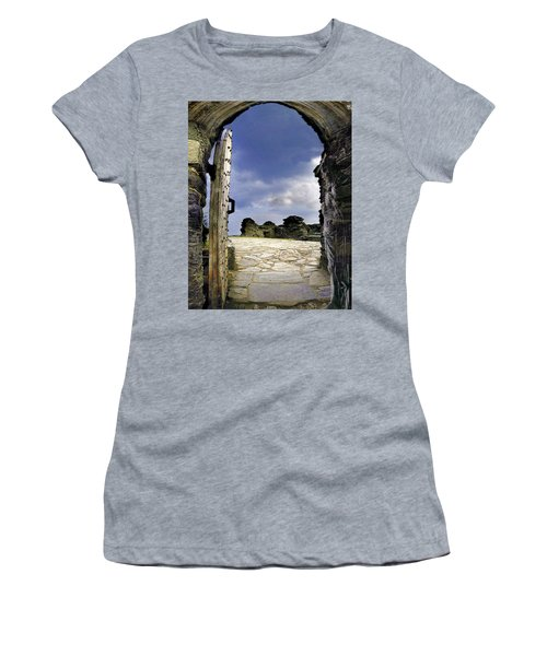 Gateway To The Castle  Women's T-Shirt (Athletic Fit)