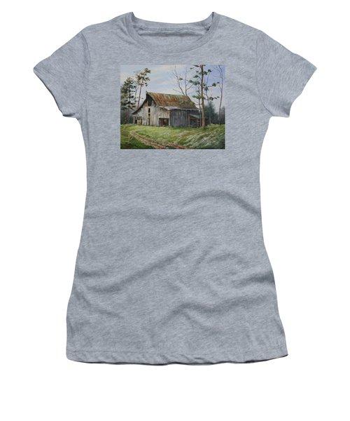 Hawks At The Barn Women's T-Shirt