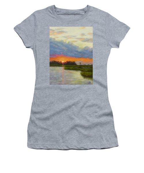 Horseshoe Cove Sunset Women's T-Shirt (Athletic Fit)
