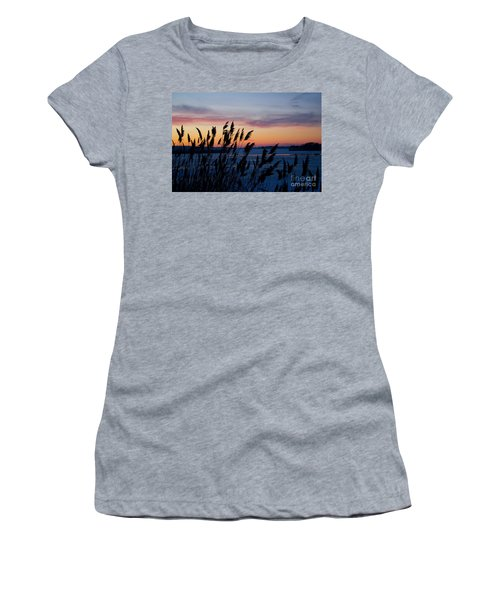 Illinois River Winter Sunset  Women's T-Shirt (Athletic Fit)