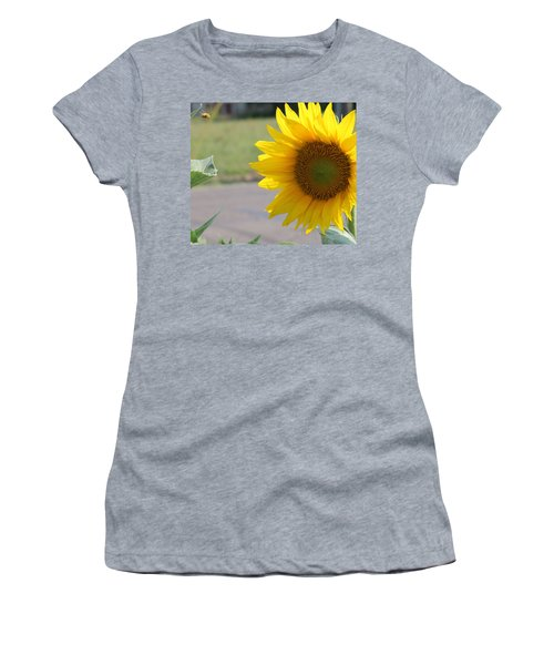 Incoming Bee Women's T-Shirt (Athletic Fit)