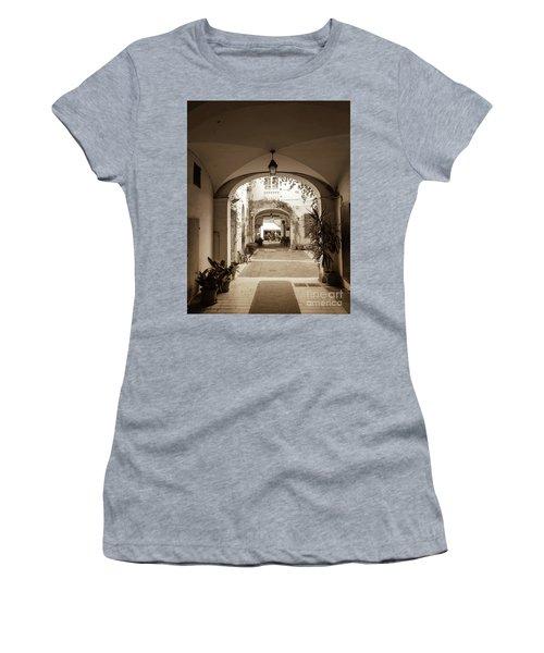 Italian Courtyard  Women's T-Shirt