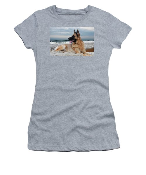 King Of The Beach - German Shepherd Dog Women's T-Shirt