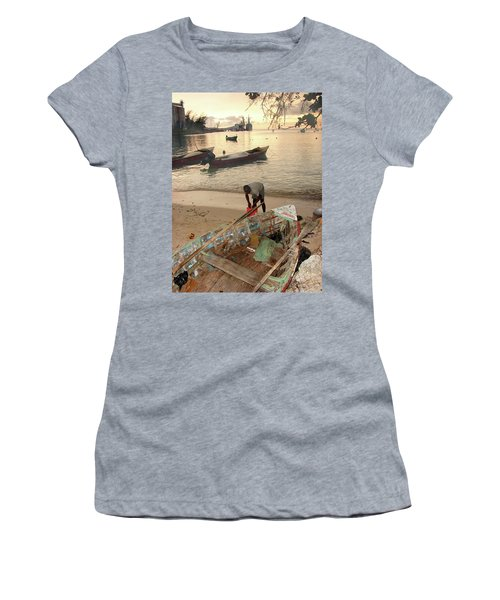 Kingston Jamaica Beach Women's T-Shirt (Athletic Fit)