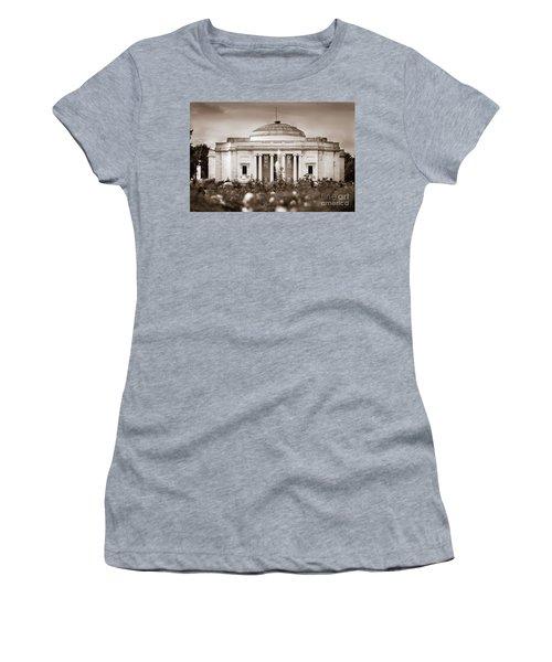 Lady Lever Art Gallery Women's T-Shirt