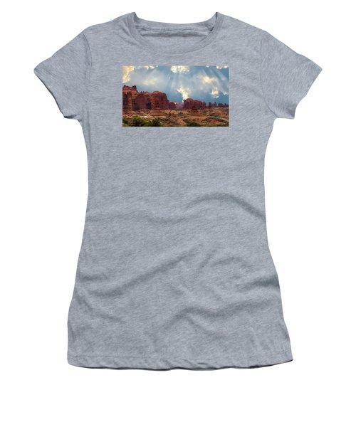 Land Of The Giants Women's T-Shirt