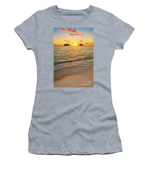 Lanikai Sunrise Between The Mokes Women's T-Shirt (Athletic Fit)