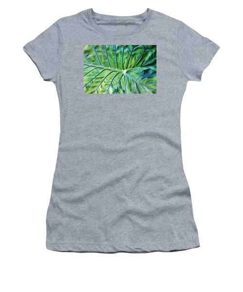 Leaf Pattern Women's T-Shirt (Junior Cut) by Teresa Zieba