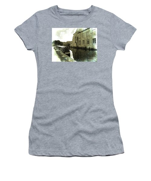 Leeds Liverpool Canal Unchanged For 200 Years Women's T-Shirt (Athletic Fit)