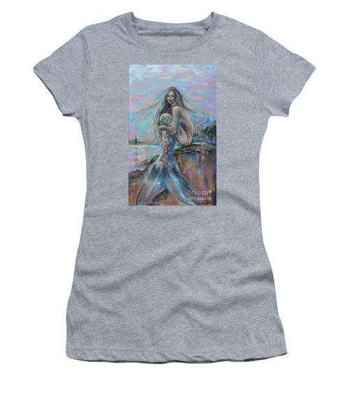 Lighthouse At Dusk Women's T-Shirt