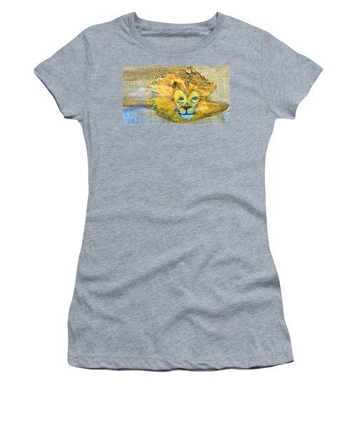 Lion Women's T-Shirt (Athletic Fit)