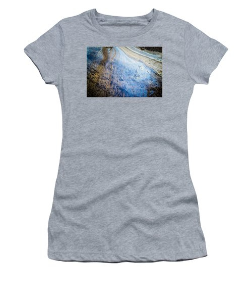 Liquid Oil On Water With Marble Wash Effects Women's T-Shirt