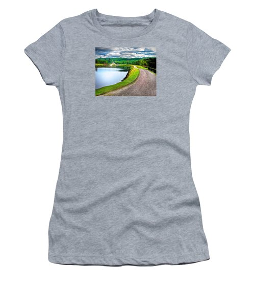 Lone Highland Farm Women's T-Shirt (Athletic Fit)