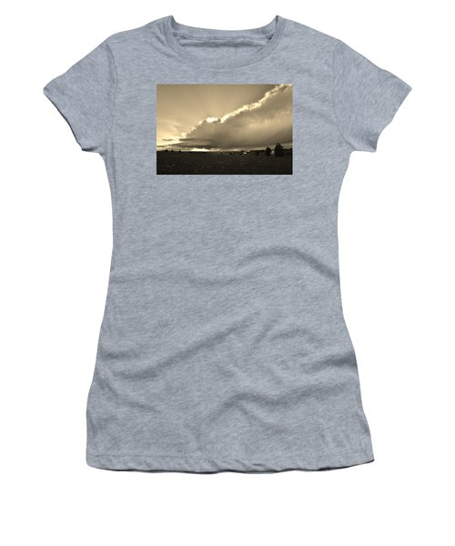 Low-topped Supercell Black And White  Women's T-Shirt (Athletic Fit)