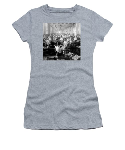 Making Money At The Bureau Of Printing And Engraving - Washington Dc - C 1916 Women's T-Shirt (Athletic Fit)