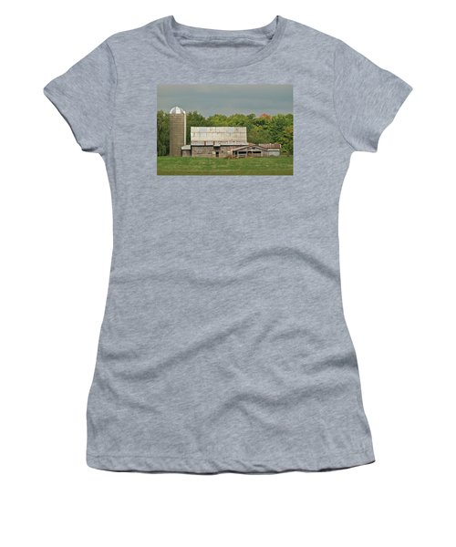 Michigan Dairy Barn Women's T-Shirt (Athletic Fit)
