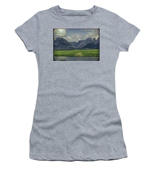 Mountain View Montana.... Women's T-Shirt