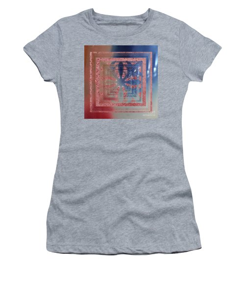 Women's T-Shirt featuring the photograph Mule Fawn Hoki by Rockin Docks Deluxephotos