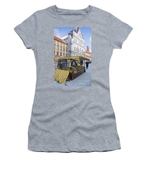 Munich Fruit Seller Women's T-Shirt (Athletic Fit)