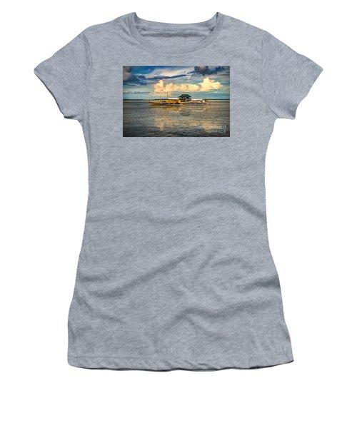 Nalusuan Boats Women's T-Shirt