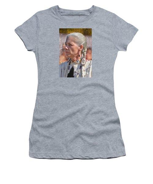 Native American Woman Women's T-Shirt (Junior Cut)