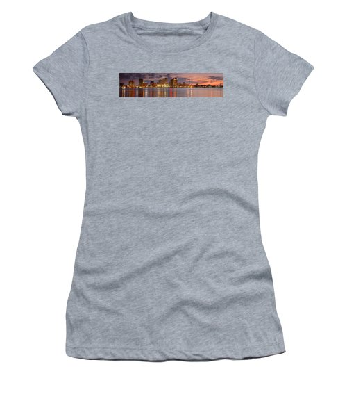 New Orleans Skyline At Dusk Women's T-Shirt (Athletic Fit)