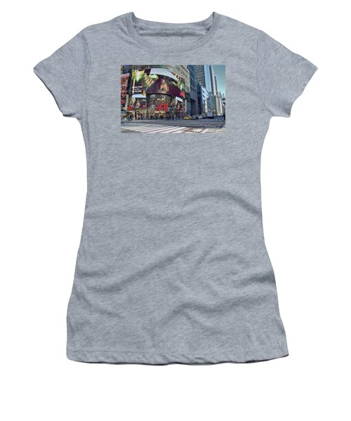 New York City - Broadway And 42nd St Women's T-Shirt (Athletic Fit)