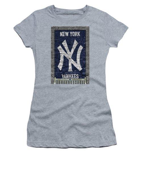 New York Yankees Brick Wall Women's T-Shirt