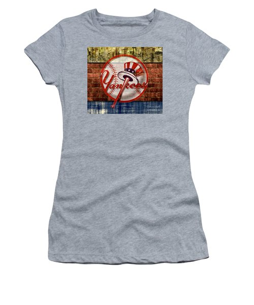 New York Yankees Top Hat Brick 2 Women's T-Shirt