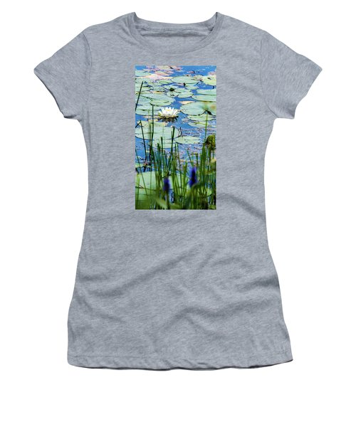North American White Water Lily Women's T-Shirt (Athletic Fit)