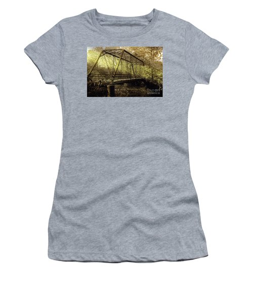Old Spirit Women's T-Shirt (Athletic Fit)