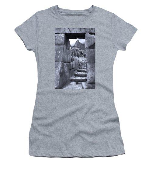 La Pachamama Women's T-Shirt (Athletic Fit)